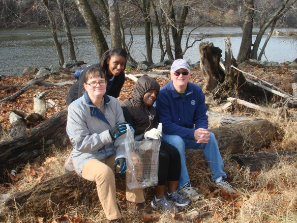 DHS Employees Volunteer at Fletcher's Cove