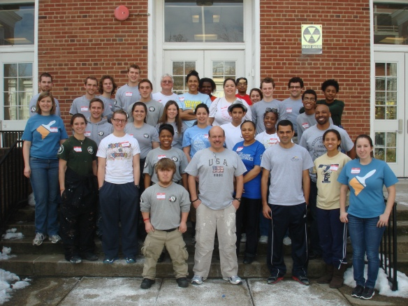 DHS Employees Volunteer with Hands On DC