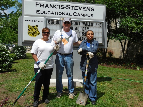 DHS Employees Volunteer with Hands-On DC